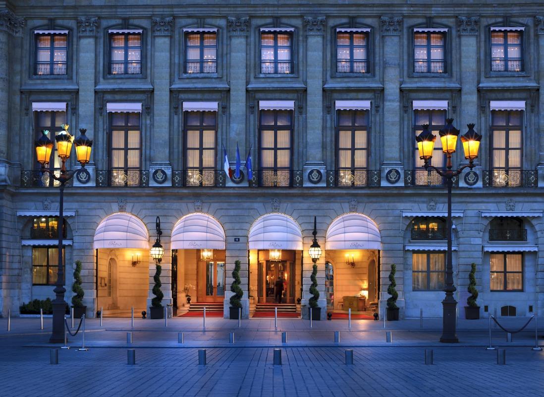 http://static.grandluxuryhotels.com/assets/newhglw/59732-root-exteriors-front-facade.jpg