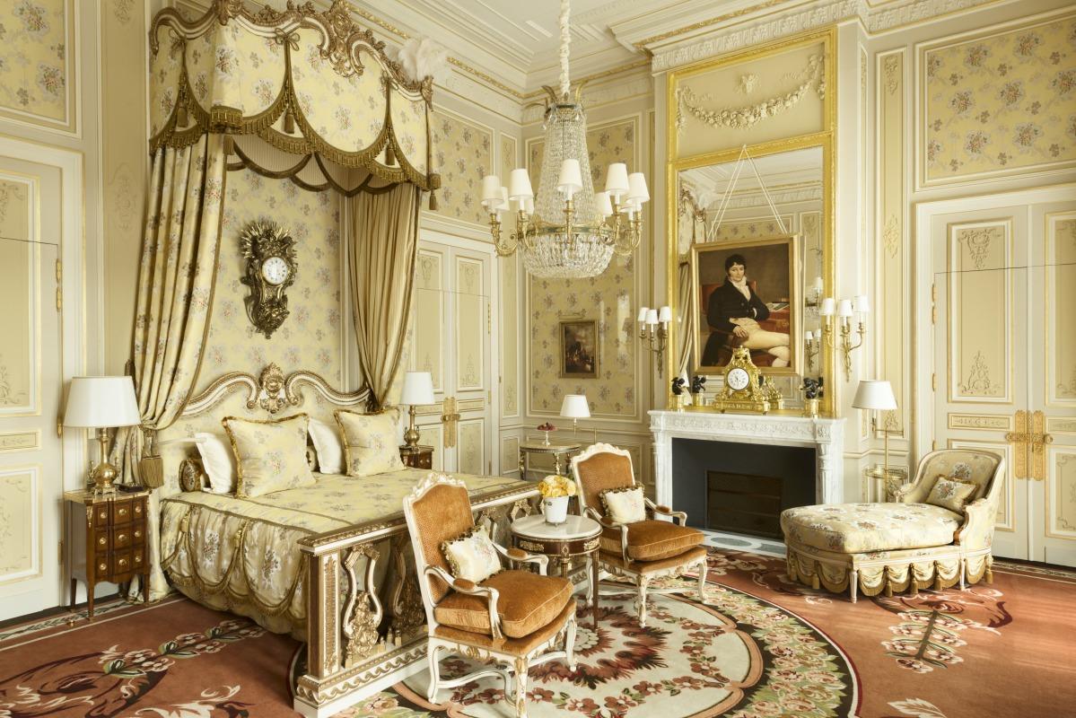 http://static.grandluxuryhotels.com/assets/newhglw/67080-root-imperial-2-bedroom-suite-main-bedroom.jpg